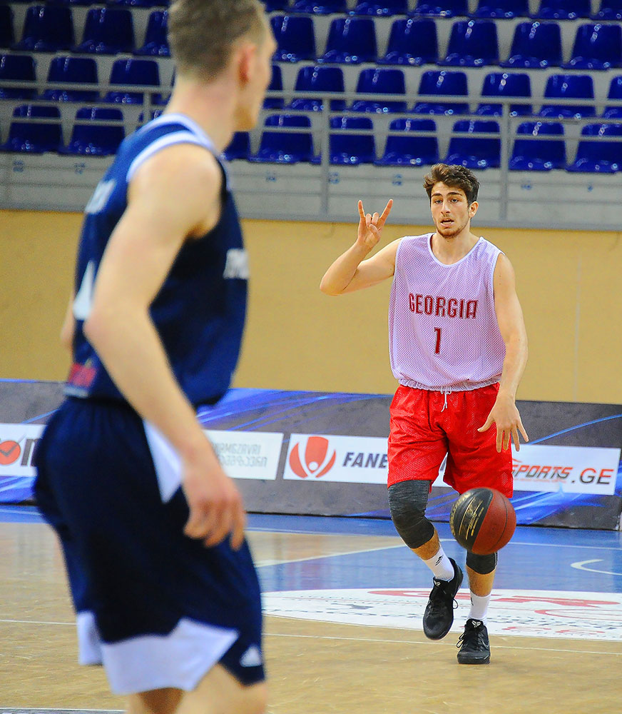 Luka Bulashvili went to Baskonia only because his family paid. He's still playing in Spain. (Photo: iFact.ge)